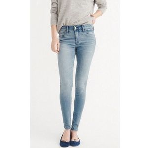 Abercrombie & Fitch The A&F Skinny Light Wash Jean